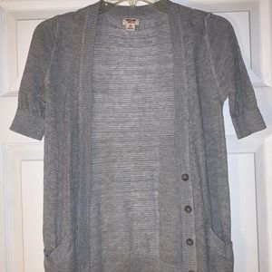 Women's gray short-sleeve button up cardigan Small